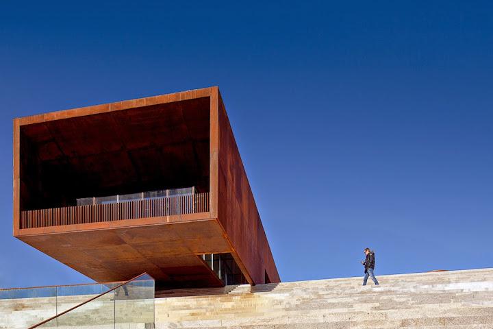 PCP de Lamego reclama esclarecimentos sobre futuro do pavilhão multiusos