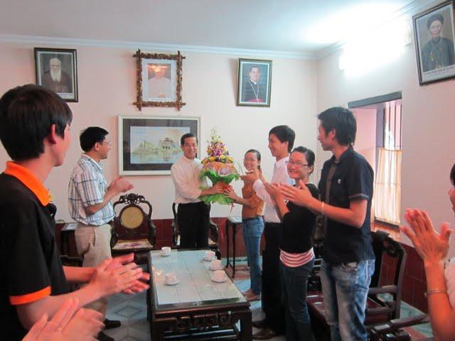 Ký sự về quê chào Đức Cha 6/11/2011