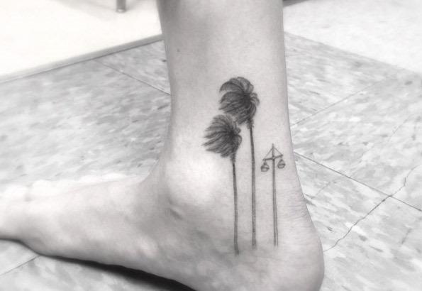 vento_varreu_palmas_tornozelo_tatuagem