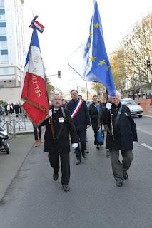 Square du Souvenir et Mairie de Sèvres - Hommage aux morts pour la France (GA)