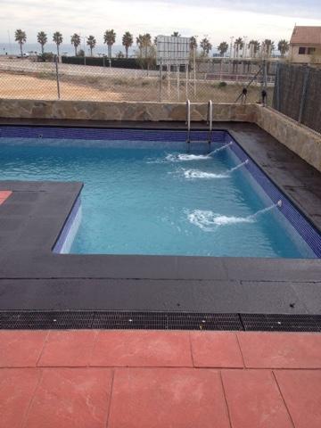 Alba piscinas com quieres rehabilitar el pavimento de tu for Piscinas sin obra