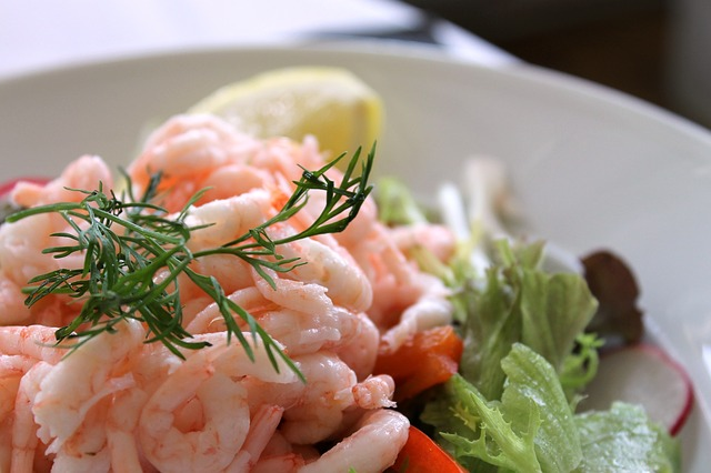 Shrimp salad 833214 640