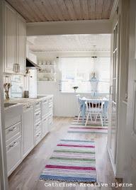 Landlig og lyseblått på kjøkkenet vårt!