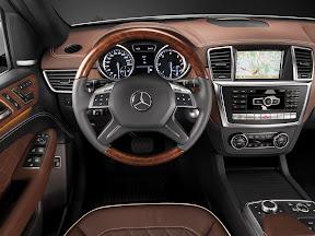 Mercedes-Benz-M-Class_2012_1600x1200_08
