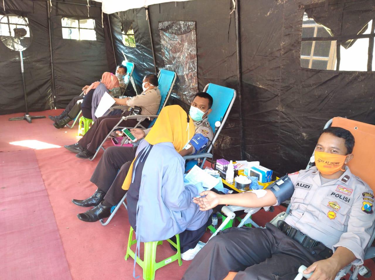 Donor Darah, Polres Jember Sumbang 328 Kantong