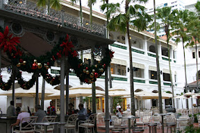 Courtyard and bar of the Raffles Hotel