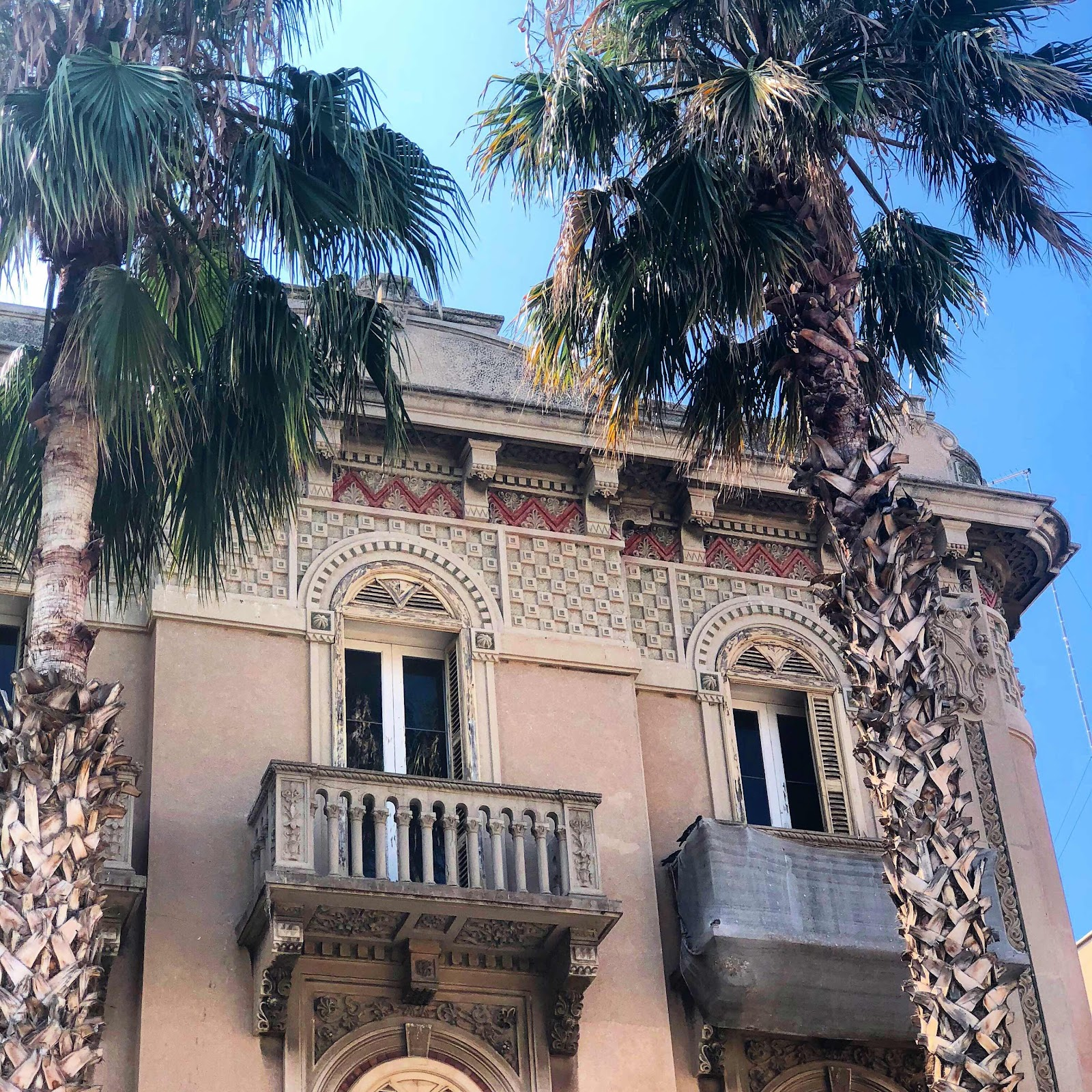 travel-blog-beautiful-architecture-bari-italy