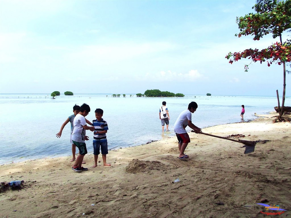 family trip pulau pari 140716 Fuji 028