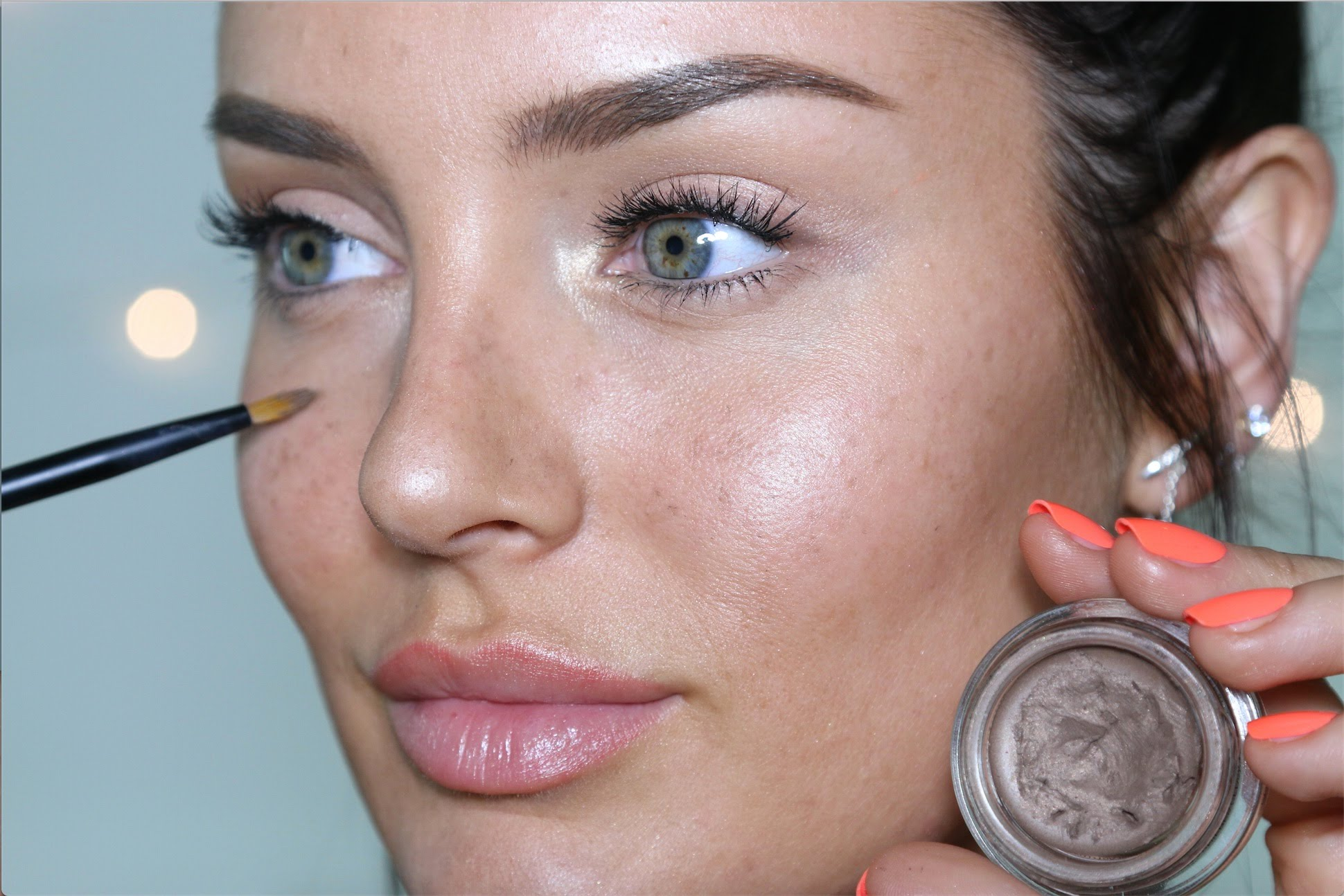 SUITABLE PREFECT MAKEUP FOR YOU ON BEACH 7