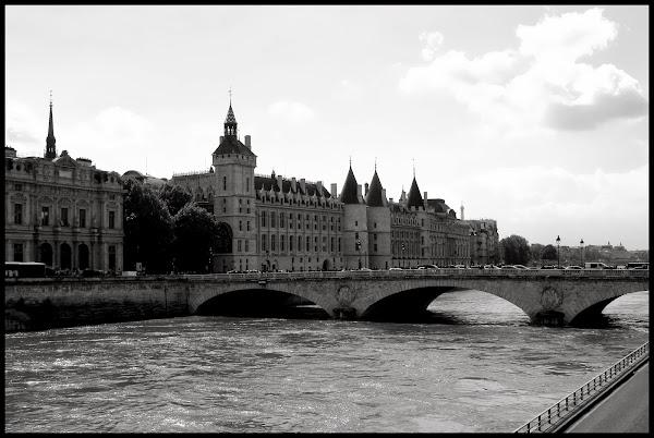 Paris en couleurs , Paris en noir et blanc ! - Page 3 IMG_2306_N%2526B
