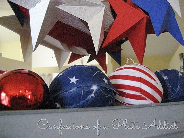 [CONFESSIONS+OF+A+PLATE+ADDICT+Patriotic+Farmhouse+Mantel6%5B3%5D]