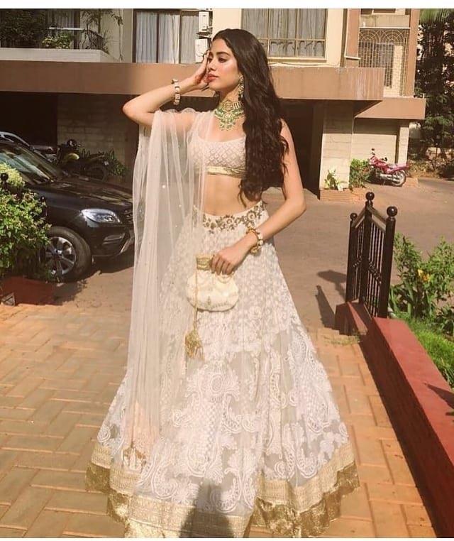 Janhvi Kapoor latest lehanga stills with Sonam Kapoor |sri devi daughter | Hottest bollywood actress Navel Queens