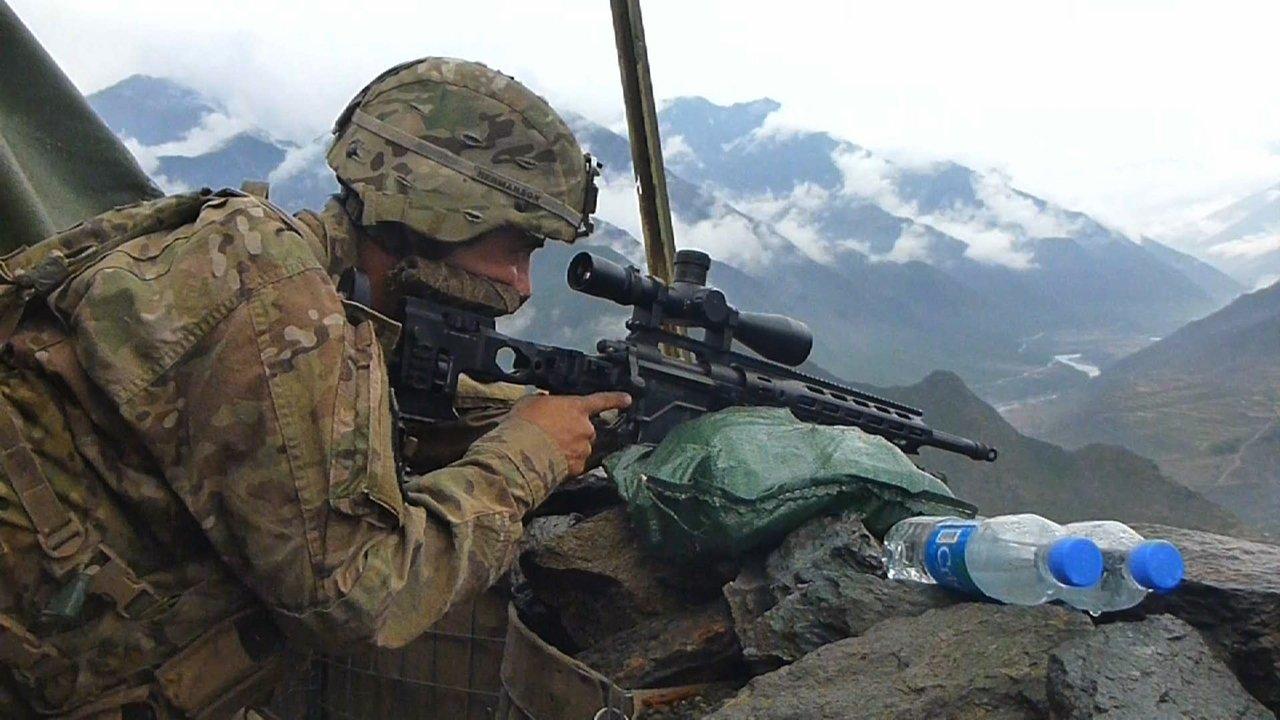 Watch Eyewitness War live
