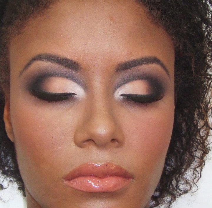 SUITABLE PREFECT MAKEUP FOR YOU ON BEACH 6