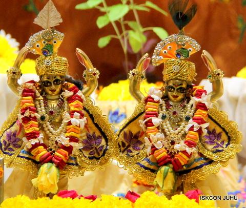 ISKCON Juhu Sringar Deity Darshan on 5th Sep 2016 (44)