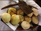 Sector Gastronomìa Regional: Chipa Soó, y pan relleno de mandioca y queso criollo.