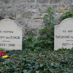 Cimetière : Tombe de Vincent et Théo Van Gogh