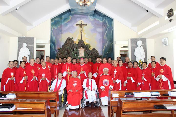 Đức Cha Phaolô Nguyễn Văn Hòa dâng thánh lễ mừng kính hai thánh Tông đồ Phêrô và Phaolô tại nhà Nghỉ Dưỡng Linh Mục Giáo Phận