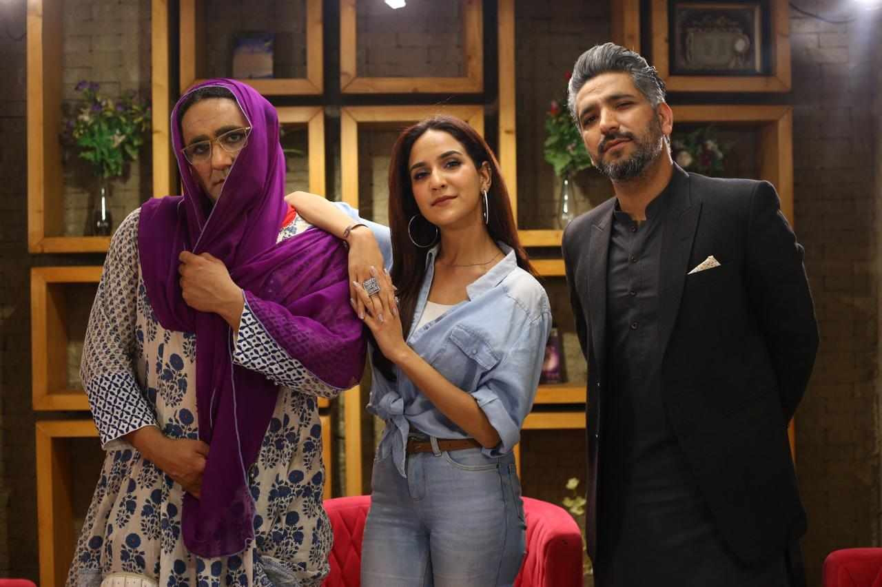 Anoushay Abbasi hosting a HBL PSL comedy sketch Show on B-sports