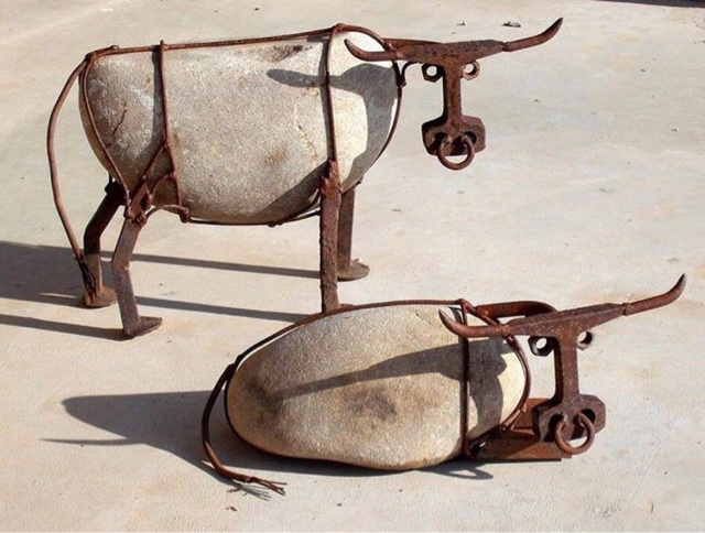 Art of recycling i saw these cows on facebook and thought they were really cool the artist hails from arizona and has a website wilhelmsart com