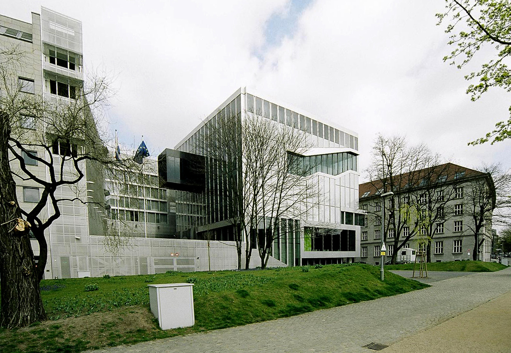 embaixada da holanda em berlin oma. Black Bedroom Furniture Sets. Home Design Ideas