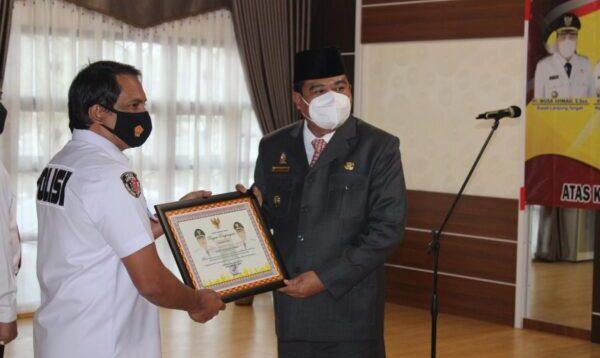Musa Achmad Apresiasi dan Beri Penghargaan Kepada Tekab 308 Polda Lampung dan Polres Lampung Tengah