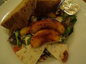 Photo: Salat mit Ziegenkäse von Matthias