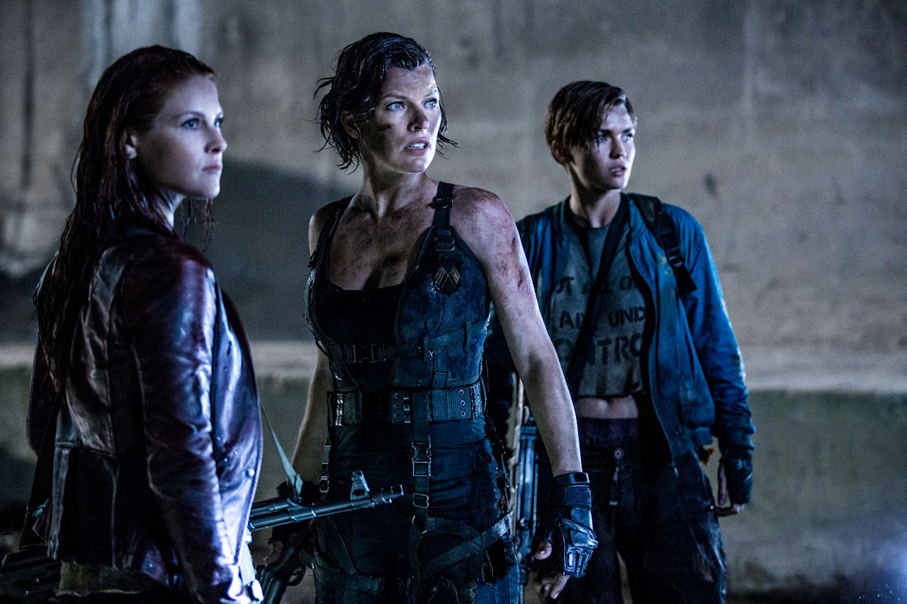 Ali Larter, Milla Jovovich and Ruby Rose star in Screen Gems' RESIDENT EVIL: THE FINAL CHAPTER. (Photo by Ilze Kitshoff / courtesy of Sony Pictures)
