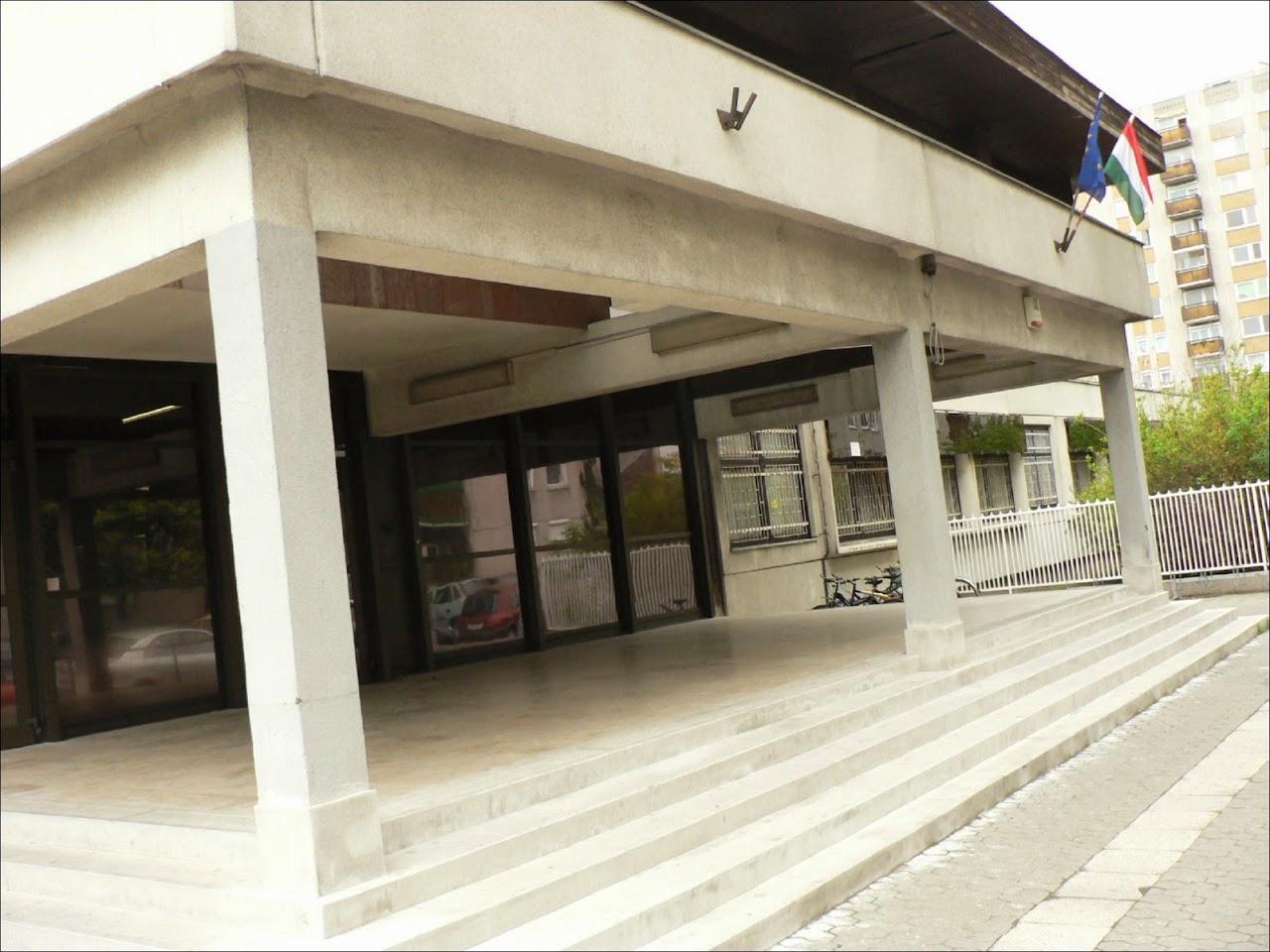 Képek az iskoláról - image042.jpg