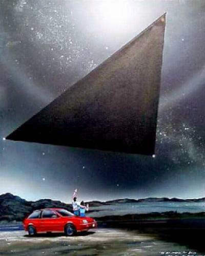 Triangle Ufo Travels Under 150 Feet Above Toledo City In Ohio