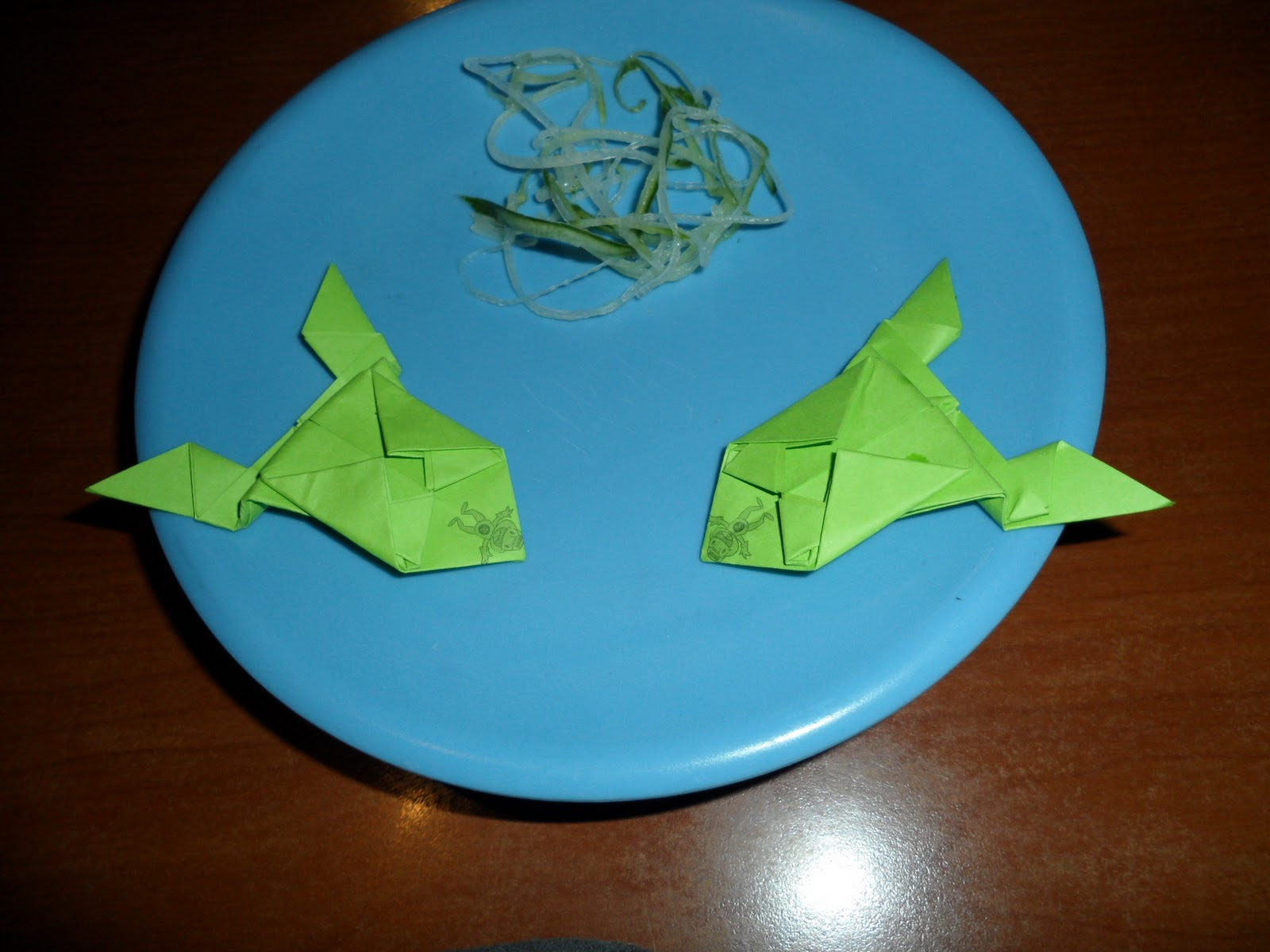 Just Being Shuyan: Fold paper frogs for a good cause at ... - photo#3