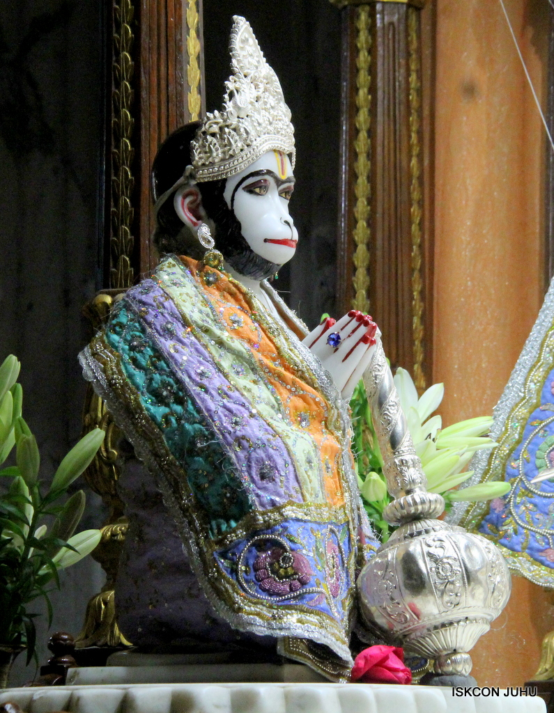 ISKCON Juhu Mangal Deity Darshan on 20th Oct 2016 (11)