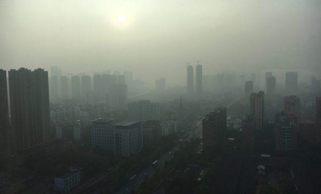 Muncul Kabut Asap Aneh Selimuti Kota Wuhan