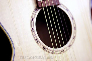 guitar acoustic go thong