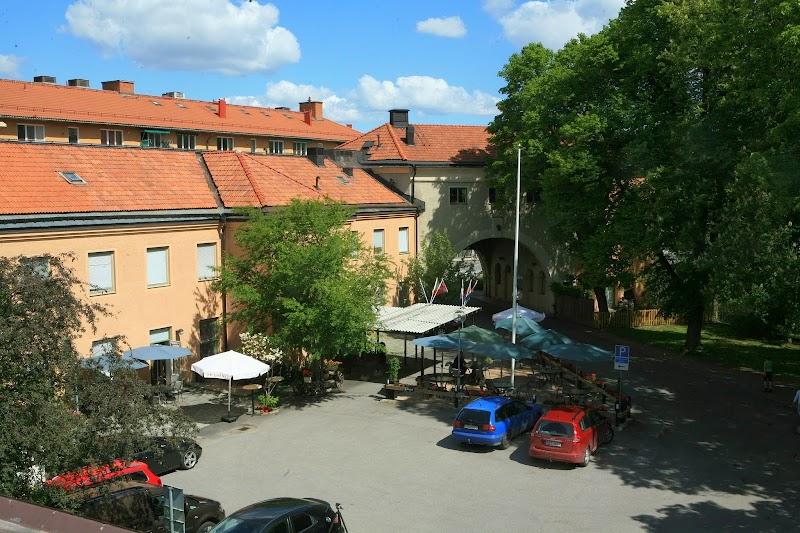 boka hotell stockholm under 18