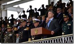 El Presidente Juan Manuel Santos rindió un homenaje a los soldados y policías caídos en combate en cumplimiento de su deber, durante la ceremonia de ascenso del General Jorge Nieto.