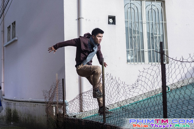 """Người hùng Cường Seven leo rào, vượt tường dễ như ăn kẹo trong """"Lôi Báo"""" - Ảnh 3."""