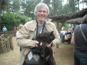 2009.05.02-063b Didier et les chèvres