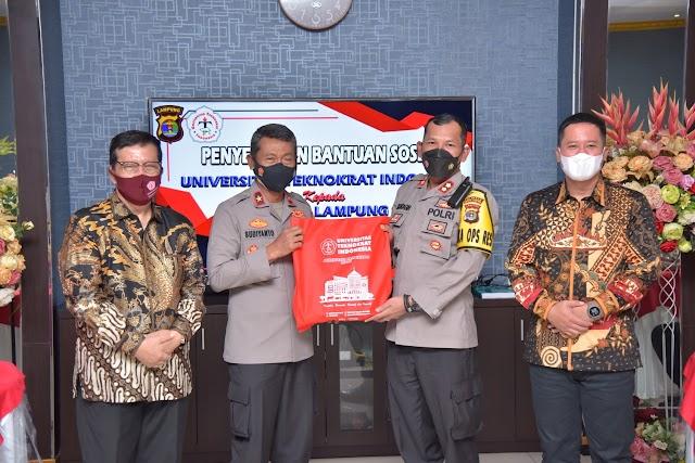 Polda Lampung Terima Bantuan 1.500 Paket Sembako dari Universitas Teknokrat Indonesia