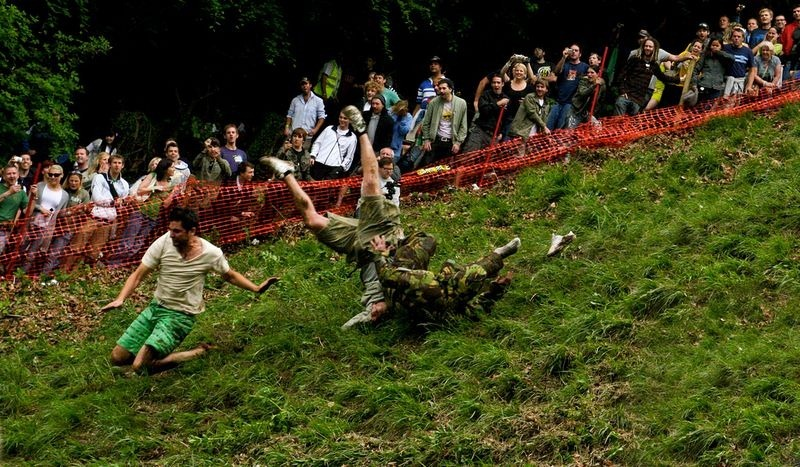 cooper-hill-cheese-rolling-6