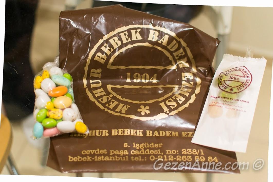 Bebek Badem Ezmecisi'nden badem şekerleri ve badem ezmesi