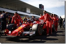 Sebastian Vettel sulla griglia di partenza del gran premio del Giappone 2017