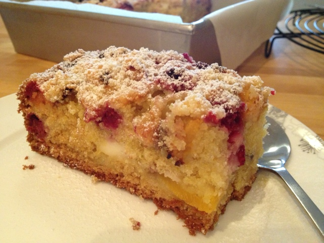 Little Pudding: Peach, raspberry and ricotta crumble cake