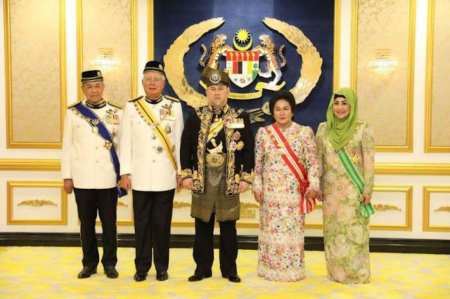 Agong rasmi pembukaan sidang Parlimen penggal ke-6