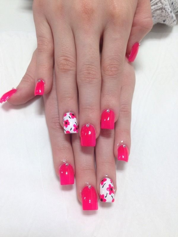 Pink And White Nails Desgins For This Season 1