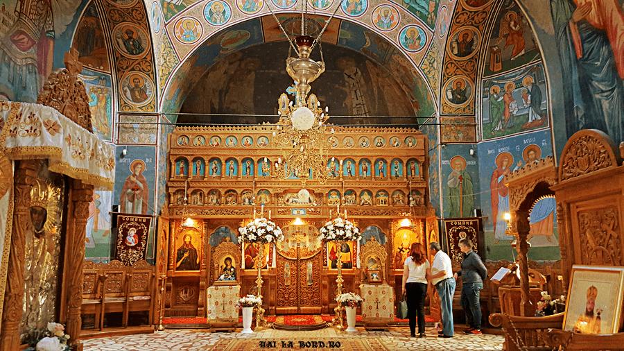 biserica manastire comana