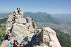 """V""""ritable course d'arète rocheuse dans le Vercors qui domine grenoble. Au loin le Mont bBlanc et la Chartreuse."""