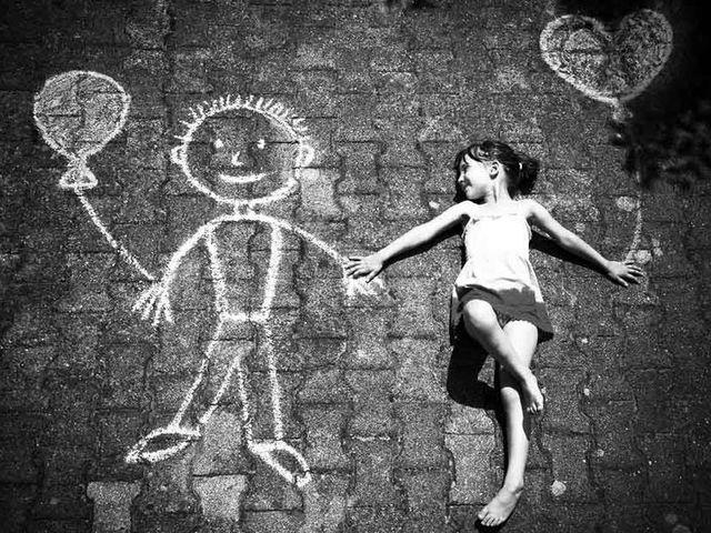 Banyak orang menyebarkan sobat imajinasi pada masa kanak Menurut Anda sobat imajinasi masa kecil itu beneran ada atau tidak, sih?