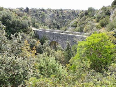 hier gibt es den Geocache 'Franje Josipa Bridge' (GC4F686)