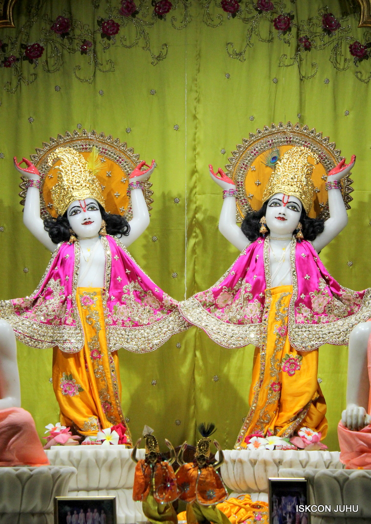 ISKCON Juhu Mangal Deity Darshan on 12th Sep 2016   (24)